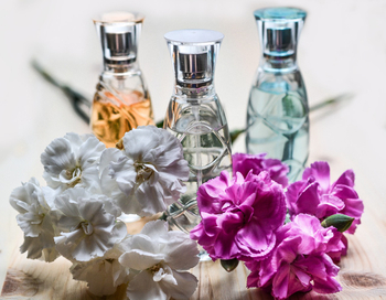 Brief Introduction of Perfume Bottle History